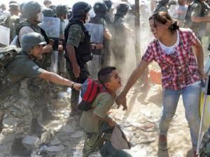 web-refugee-crisis-5-epa